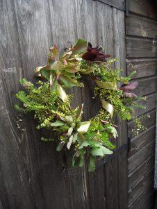 how to make a christmas wreath - modern
